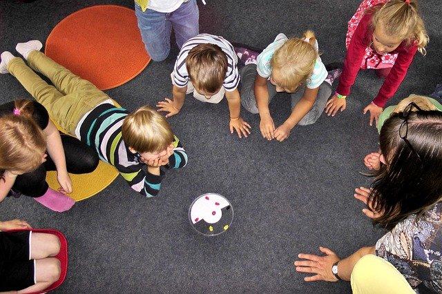 groupe d'enfant ateliers